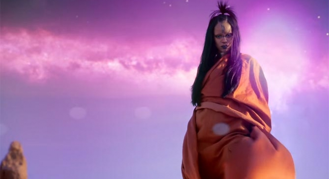 Rihanna - Sledgehammer Video Video