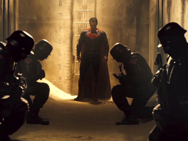 Batman v Superman: Dawn of Justice - Teaser Trailer
