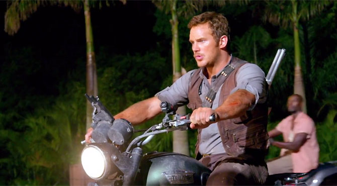 Jurassic World - Motorcycle and Stunt Featurettes