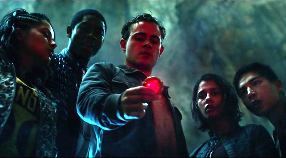 Power Rangers - Featurette, Clip  Trailer