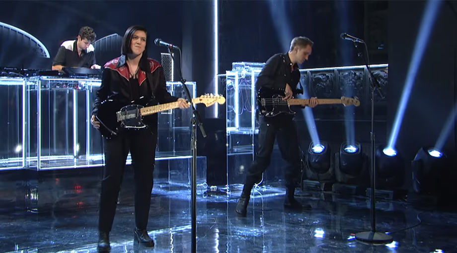 The XX - Hold On [Live]