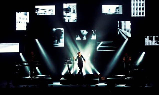 Alison Moyet Releases New Track From New Album 'Minutes And Seconds - Live' Released 10th November 2014