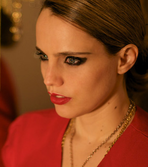 Anna Calvi Announces New Single 'Suzanne And I'