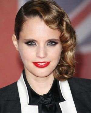 Anna Calvi Announces Somerset House Show 12th Of July 2012