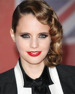 Anna Calvi Announces Somerset House Show 12th Of July 2012