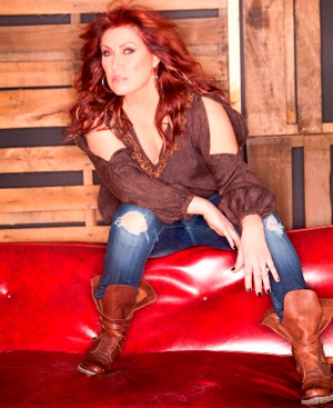 Jo Dee Messina Announces New Album 'Me' Released 18th March 2014