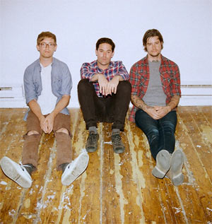 Metz Release 'Dirty Shirt' And 'Leave Me Out' Digital Single On December 4th 2012
