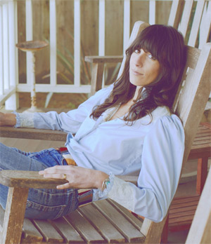 Nicki Bluhm And The Gramblers Announce London Show October 29th 2013
