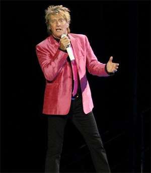 Rod Stewart Signs Worldwide Recording Agreement With Universal Music Group