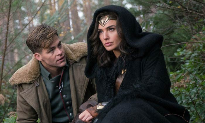 Gal Gadot and co-star Chris Pine