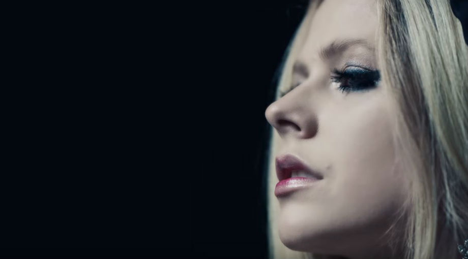 Avril Lavigne - I Fell In Love With The Devil Video Video