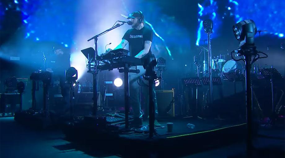 Bon Iver - 33 'GOD' [Live]