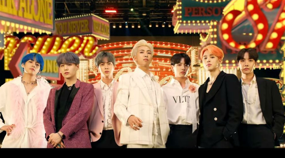 BTS - Boy With Luv ft. Halsey