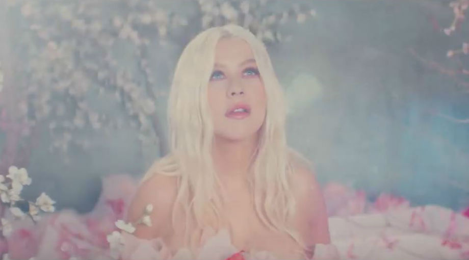 Christina Aguilera, A Great Big World - Fall On Me Video Video