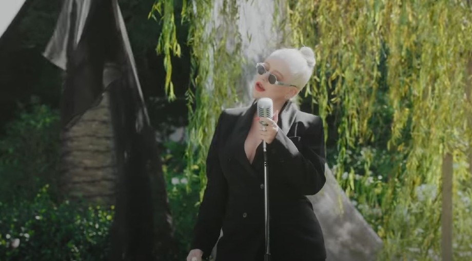 "Christina Aguilera - Reflection / Loyal Brave True Medley (From ""Mulan"") Video Video"