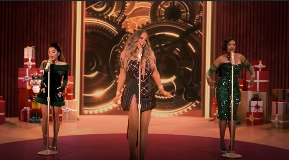 Mariah Carey - Oh Santa Ft. Ariana Grande, Jennifer Hudson