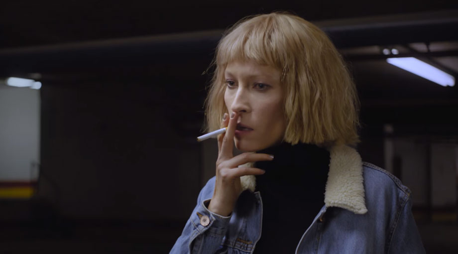 Metronomy - Hang Me Out To Dry Ft. Robyn