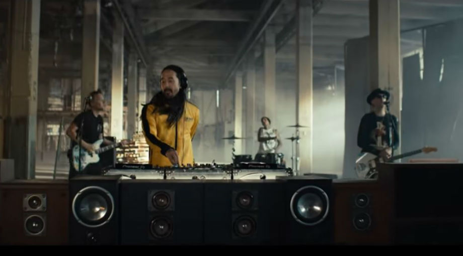 Steve Aoki - Why Are We So Broken ft. Blink-182 Video Video