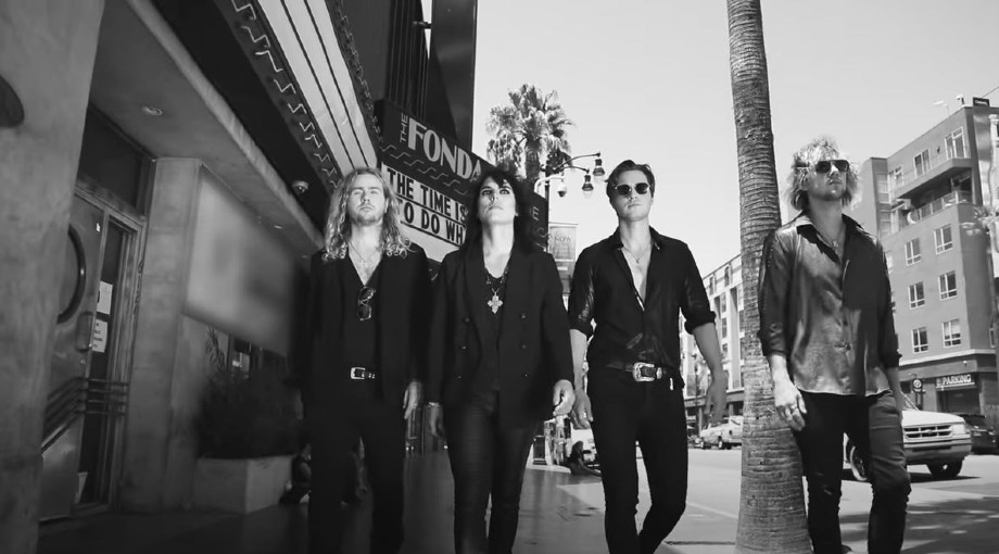 The Struts - Strange Days ft. Robbie Williams Video Video