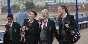 Angus, Thongs and Full Frontal Snogging Trailer