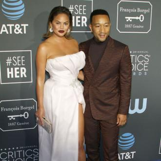 John Legend apologises to Chrissy Teigen over row