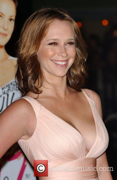 Jennifer Love Hewitt 4
