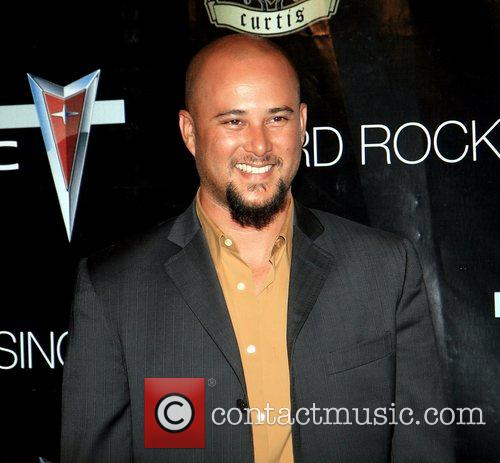 On the pre-Video Music Awards (VMA) red carpet...
