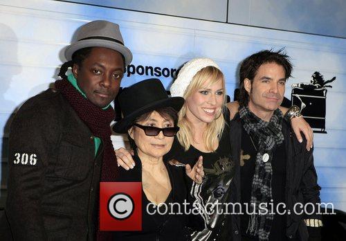 Black Eyed Peas, John Lennon, Las Vegas, Natasha Bedingfield and Yoko Ono 2