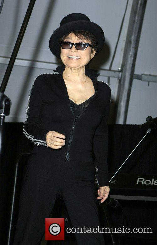 Yoko Ono, John Lennon and Las Vegas 7