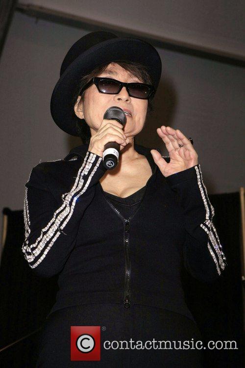 Yoko Ono, John Lennon and Las Vegas 8