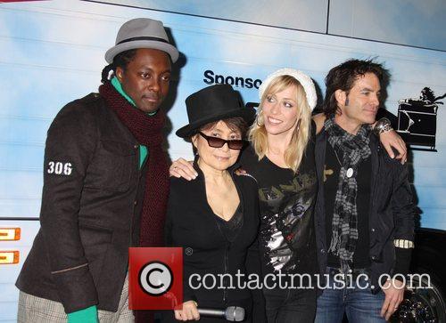 Black Eyed Peas, John Lennon, Las Vegas, Natasha Bedingfield and Yoko Ono 1