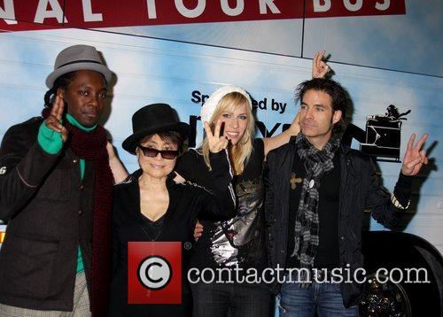 Black Eyed Peas, John Lennon, Las Vegas, Natasha Bedingfield and Yoko Ono 3