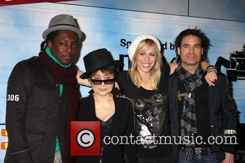 Black Eyed Peas, John Lennon, Las Vegas, Natasha Bedingfield and Yoko Ono 5