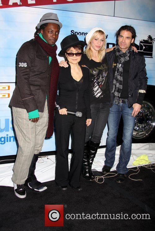Black Eyed Peas, John Lennon, Las Vegas, Natasha Bedingfield and Yoko Ono 4