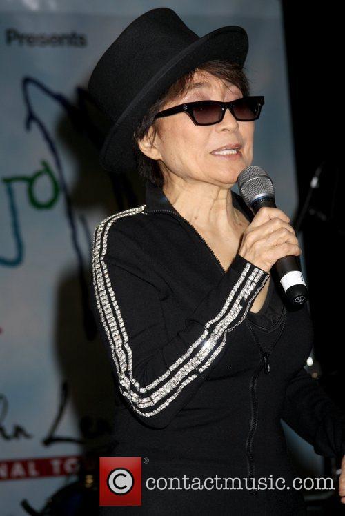 Yoko Ono, John Lennon and Las Vegas 13