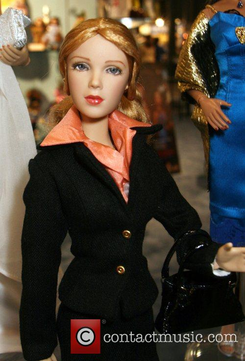 Lynette Doll, Alexander and Gabrielle 1