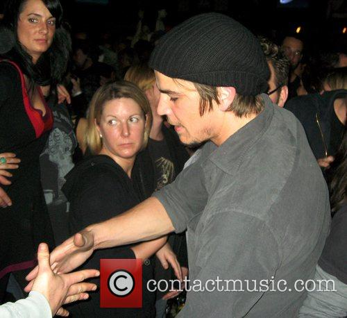 Josh Hartnett, The Bravery and Velvet Revolver 11