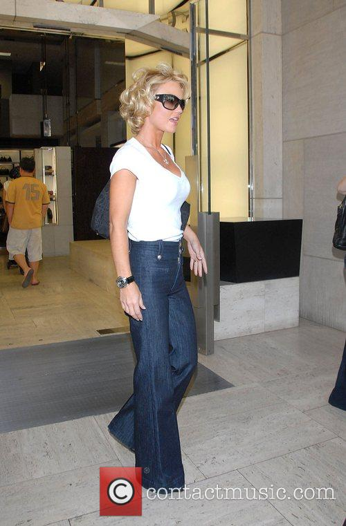 Kelly Carlson Shopping in Beverly Hills at Chanel...