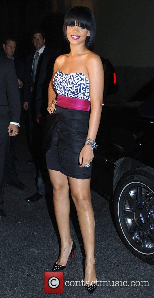 Rihanna Giant Magazine, Cover Girl and Sprint hold...
