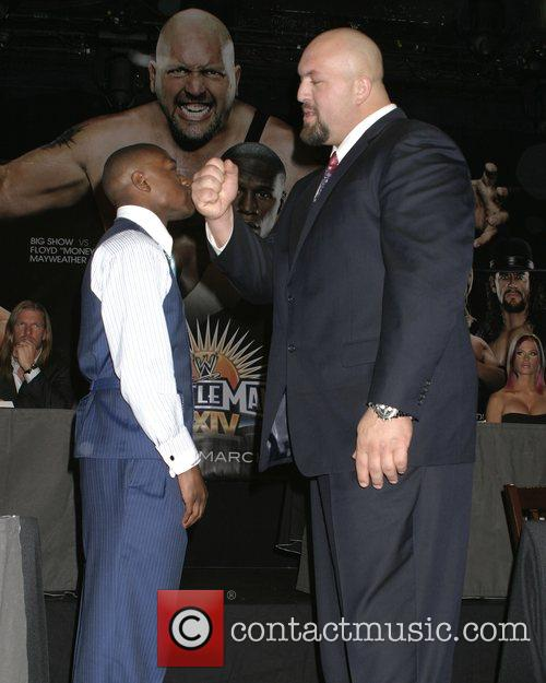 Floyd Mayweather Jr., Paul Wight Aka Big Show, Hard Rock Cafe Times Square and Times Square