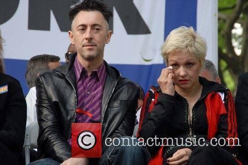 Alan Cumming and Cyndi Lauper  22nd Annual...