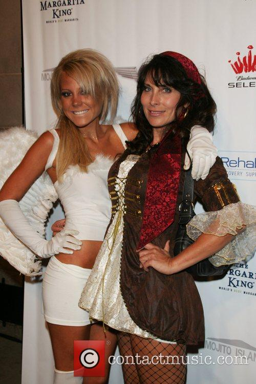Lindsey Knickerbocker and Tammy Knickerbocker Air Party's 4th...