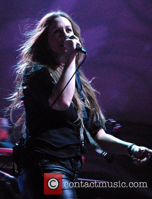 Alanis Morissette  performing live at the Pearl...