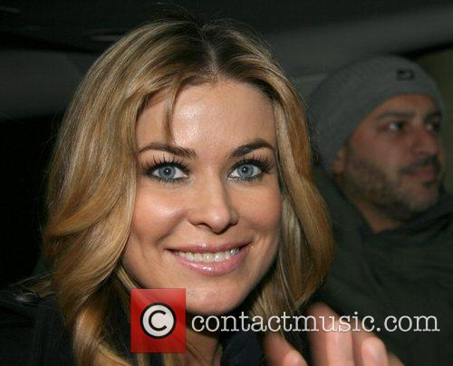 Carmen Electra leaving ABC Studios and signing autographs...