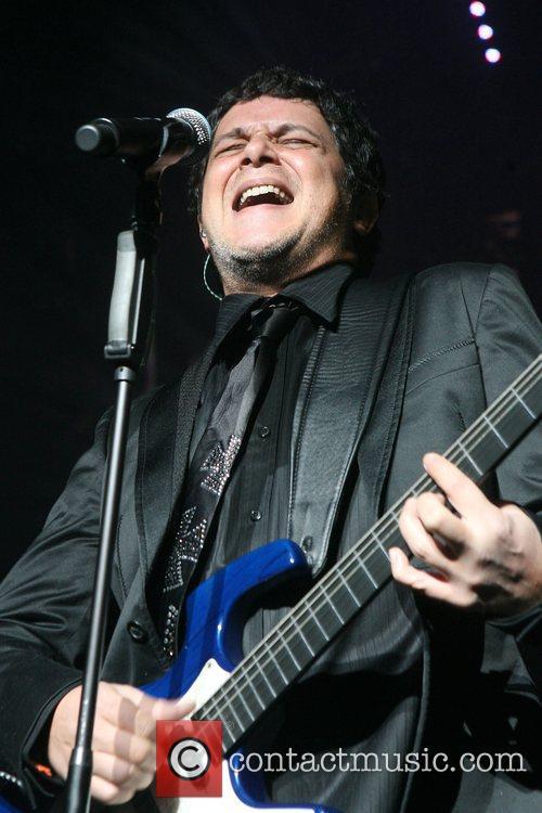 Alejandro Sanz 8