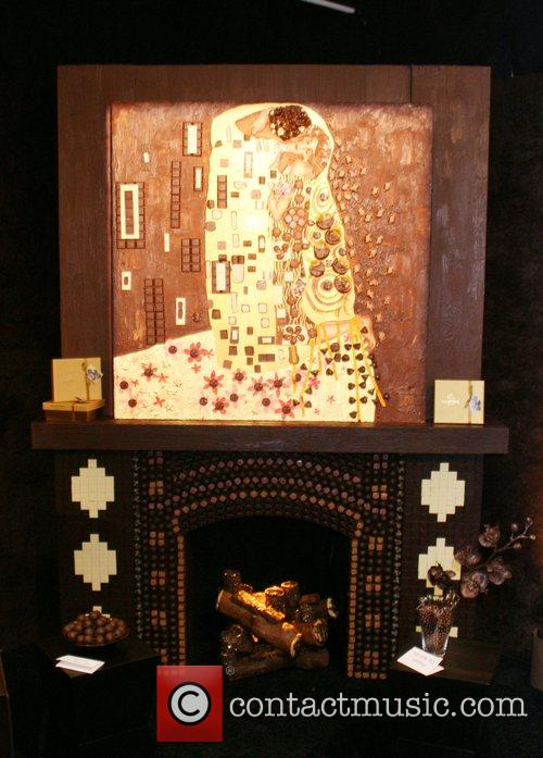 Chocolate fireplace and chocolate art 'Heroes' star Ali...