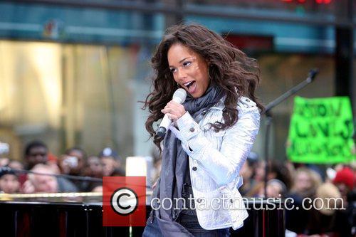Alicia Keys 35
