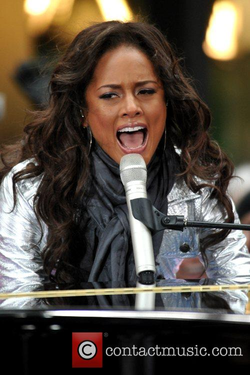 Alicia Keys, NBC, Rockefeller Plaza