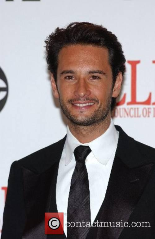 Rodrigo Santoro The 2007 Almas Awards at the...
