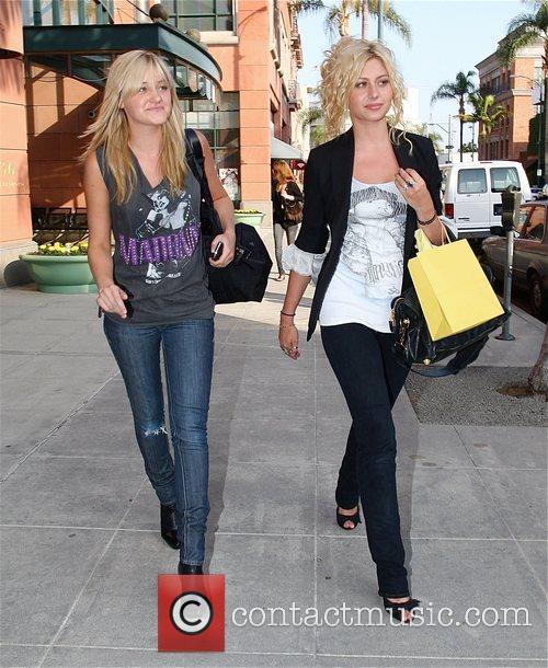 Alyson Michalka and Amanda Michalka 7